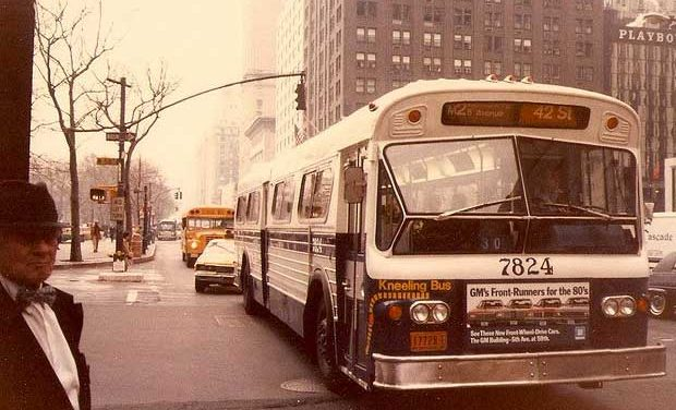 Traduzione – Does This Bus Stop At 82nd Street? – Bruce Springsteen